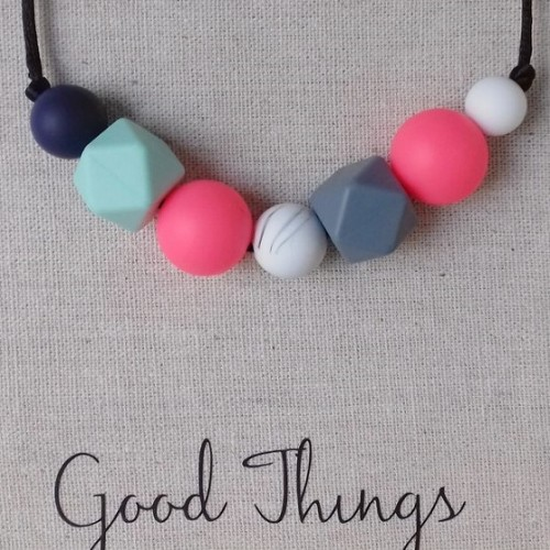 Collares Good Things de silicona para porteo y lactancia Eclipse